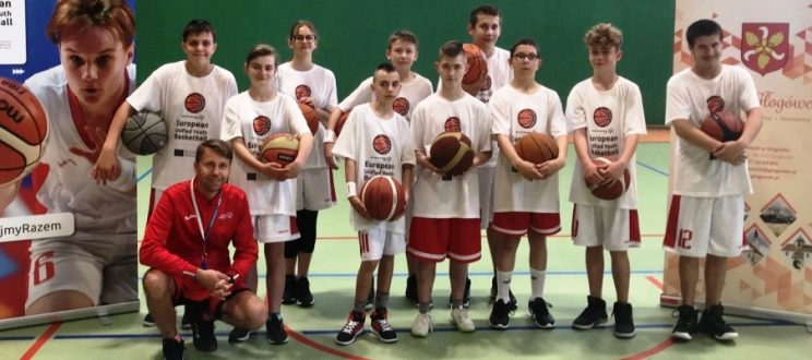 Nasi zawodnicy na konsultacjach zawodniczych w ramach Europejskiego Turnieju Koszykówki Zunifikowanej Olimpiad Specjalnych Głogówek 2021